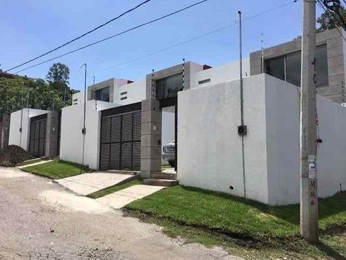 Casa Sola En 3 De Mayo / Emiliano Zapata - Est-121-cs