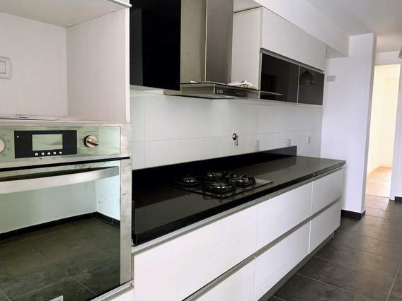 Departamento De Categoría En Alquiler De 2 Dormitorios, Vistalba, Villa Belgrano, Zona Norte