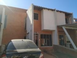 Casa En San Diego Tipo Townhouse. Wc