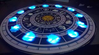 Reloj Saint Seiya Con Luz Led! + Fuente De Regalo!