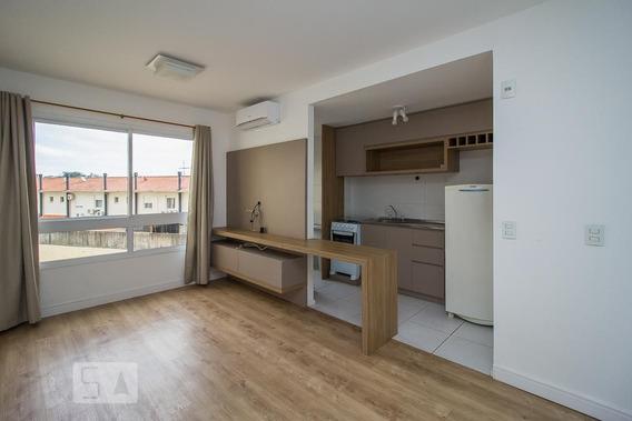 Apartamento No 3º Andar Com 2 Dormitórios E 1 Garagem - Id: 892950020 - 250020