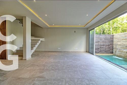 Casa En Venta En Cancun En Residencial Aqua De 4 Recamaras