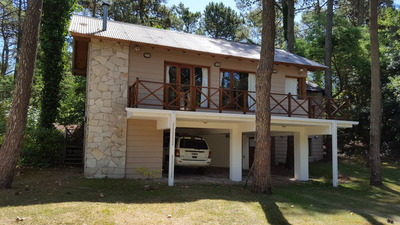 Casa De Cuatro Ambientes En Cariló - Zona Del Golf