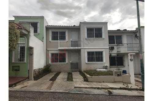 Casa En Venta Fraccionamiento Monte Real Cerca De Sagarpa