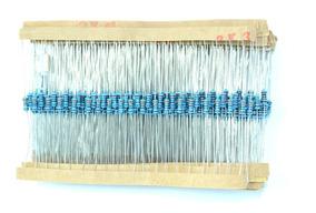 Kit 600 Resistores 1/4w 30 Valores 20 De Cada Conforme Lista
