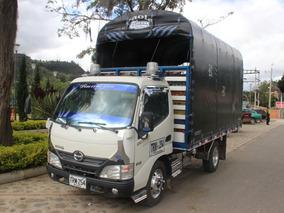 Camioneta Estacas Hino Pro 2015