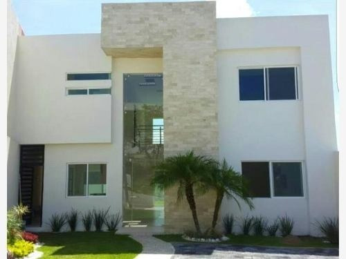 Moderna Casa, En Fraccionamiento Al Sur De Cuernavaca