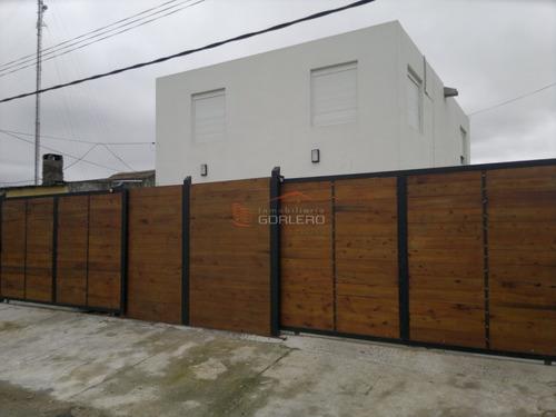 Casa Dúplex Ph En Venta Y Alquiler Anual, Maldonado - 2 Dormitorios + 2 Baños + Cochera- Ref: 26983