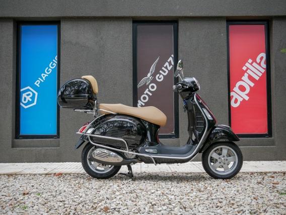Vespa Gts 300 Negra Scooter - Motoplex San Isidro