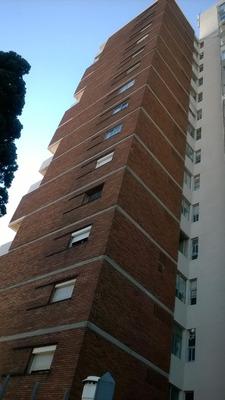 Apartamento De 6 Ambientes ,un Baño Y Terraza Cerrada.