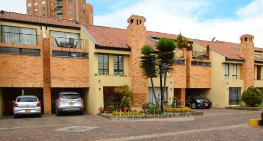 Casas En Arriendo Gratamira 917-274