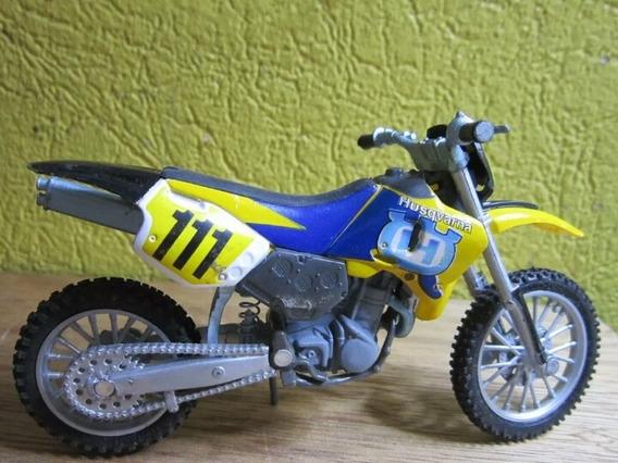 Miniatura Moto Husqvarna 610 Te Cross 1/18