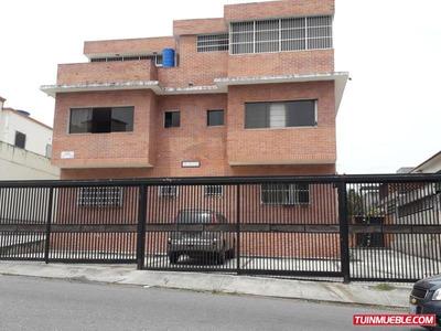 Apartamentos En Venta Urb. La Carlota.19-10420