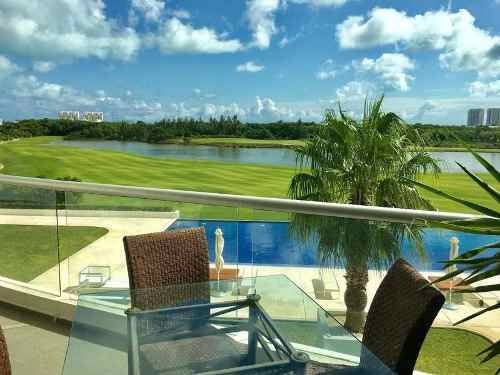 Town House En Venta En Puerto Cancun Vista Al Mar Y Campo De Golf