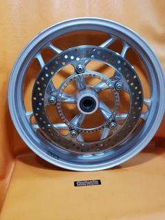 Roda Dianteira De Bmw K1300 R Com Um Disco