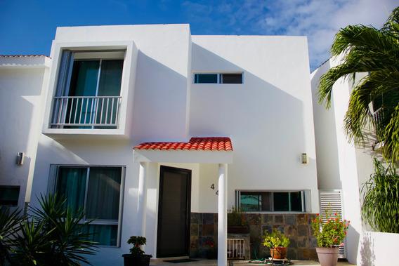 Casa En Residencial La Calma Cancún, Privada Con Alberca