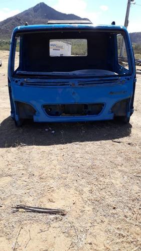 Imagem 1 de 5 de Cabine De Caminhão Accelo