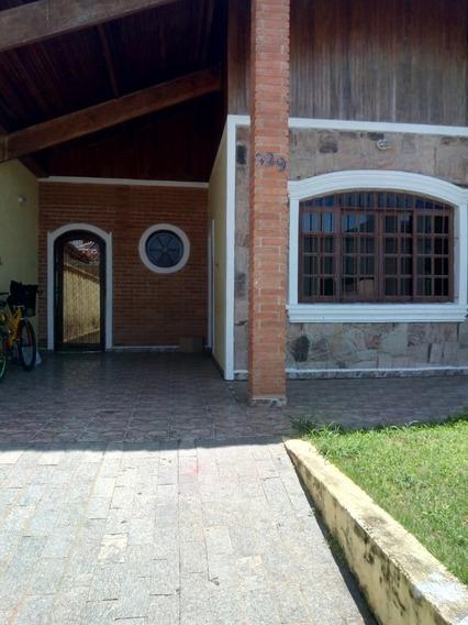 Casa 2 Quadras Da Praia 4 Quartos, 3 Banheiros, Churrasqueir