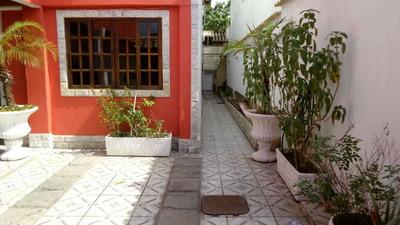 Casa De 02 Andares, Com 2 Suites, 04 Quartos, 02 Banheiros,