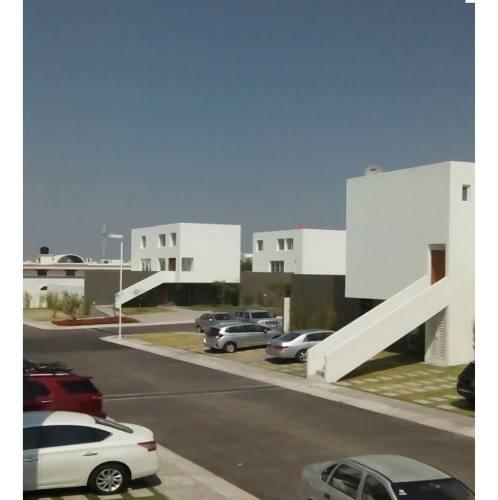 Casa Tipo Duplex En Venta En Fraccionamiento 3 Deseos