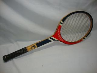 Antiga Raquete Tenis Fila Italiana De Madeira Anos 70