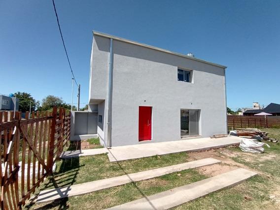 Vendo Retasado Duplex En Los Hornos, La Plata, A Estrenar
