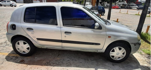 Imagem 1 de 8 de Renault Clio 2000 1.0 Rn 5p