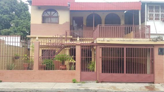 Ag Casa Amplia En Urb. Piñonal, Maracay.