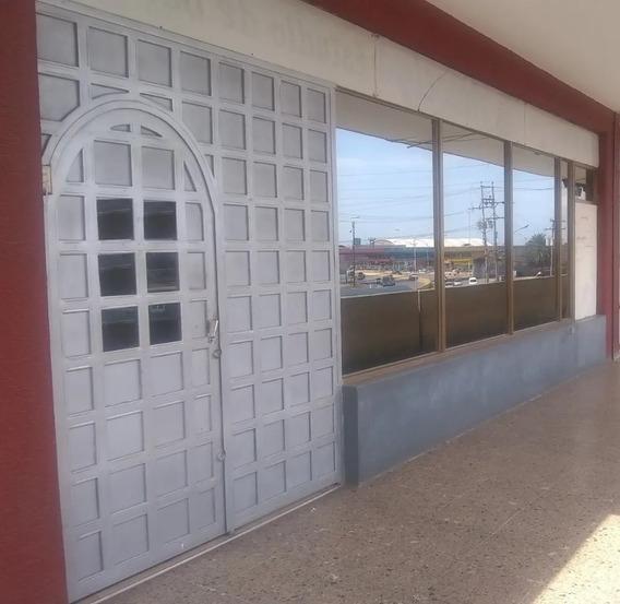 Local Comercial En Alquiler En Lechería. Cc Vistamar