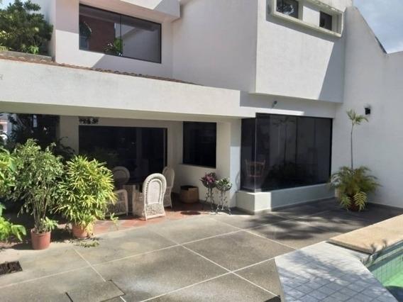 Hermosa Casa En La Viña Calle Cerrada (620 M2). Wc