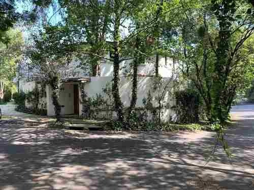 Gran Oportunidad De Inversión - Casa En Bosques De Las Lomas