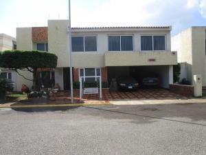 Townhouse En Alquiler En Maracaibo
