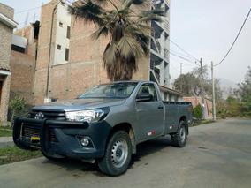 Toyota Hilux (2017-2018)(negociable)