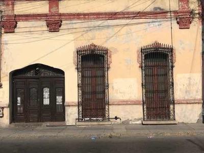 Id:104146, Casa En El Centro De La Ciudad De Monterrey, Excelente Ubicación, Ideal Para Oficina Comercial O Local. El Frente Y La Primer De La Casa Son Para Demoler. En La Parte De Atras Cuenta Con