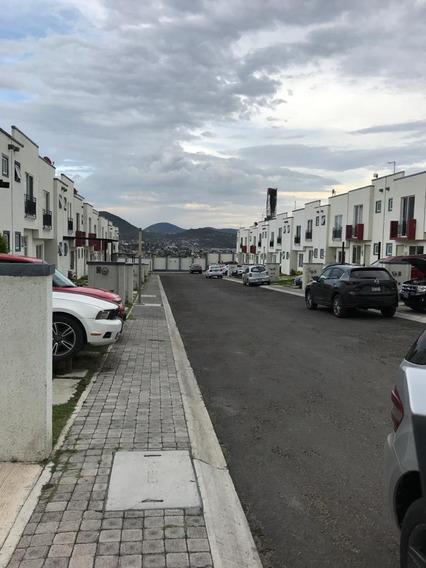 Rento Casa En Hermosa Privada En San Isidro Juriquilla
