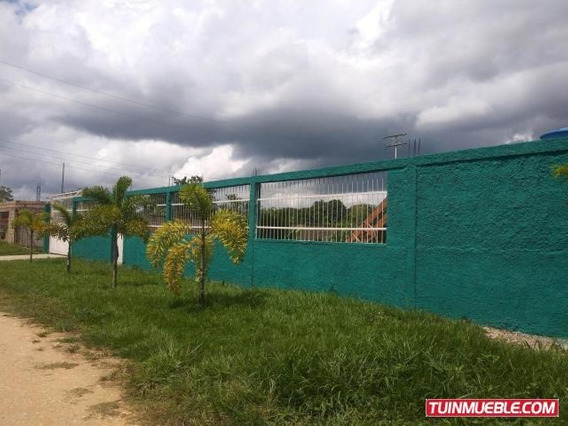 Hacienda En Venta Tocuyito 19-14351 Mz 04244281820