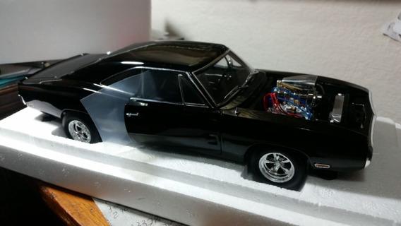 Miniatura Dodge Charger Velozes Furiosos Elite 1/18