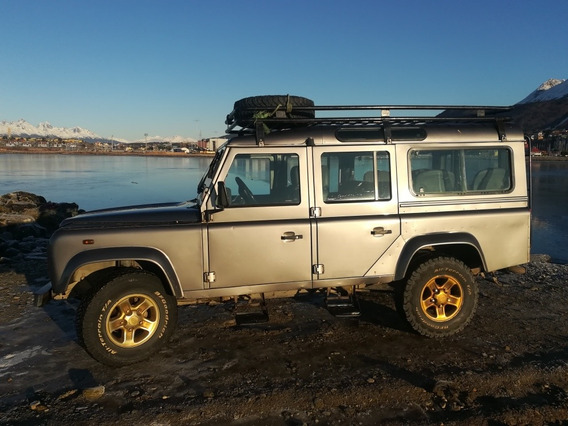 Land Rover Defender 2.5 Sw 110 5 County 2006