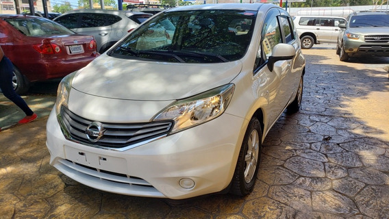 Nissan March Inicial 90,000