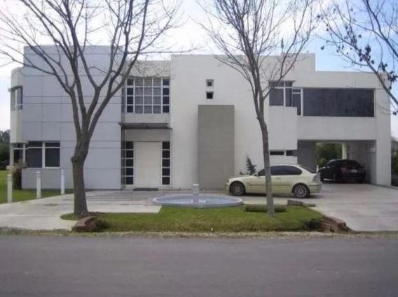 Casa Venta 3 Dormitorios 3 Baños, Piscina -540 Mts 2 -terreno 1,480 Mts 2- Gran Bell