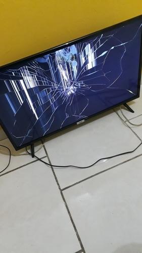 Tv, Com A Tela Trincada, Para A Retirada De Peças