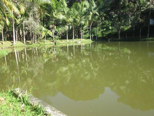 Lindo Sitio Com Belo Lago E Piscina...
