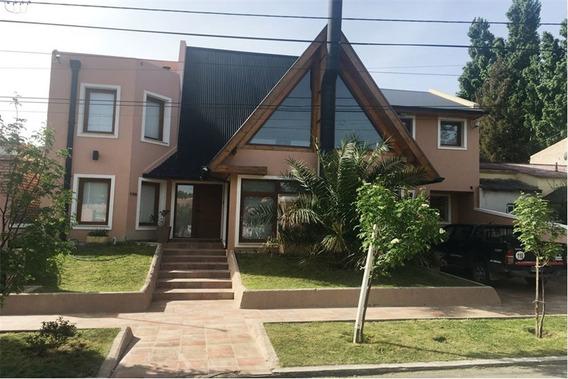 Casa 416 M2 Cub.- 4 Dorm - Jardin- Piscina-quincho