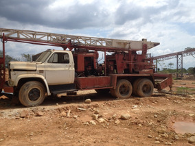 Camión ( Perforador Pilotes) ,montado Sobre Chevrolet C 70