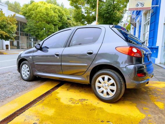 Peugeot 207 1.9 Sedan Xrd 2011