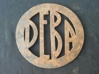Antiguo Cartel De Hierro Deba, No Enlozado, Insignia