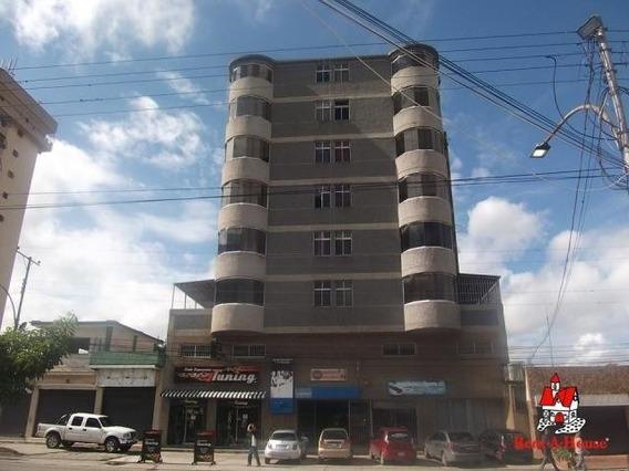 Apartamento En Venta La Victoria Madrigal Plaza 20-11947 Hcc