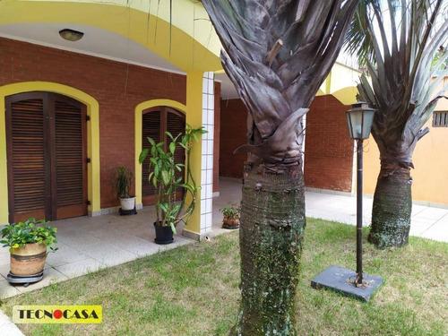 Lindo Sobrado Com 03 Dormitórios Para Venda Com  290 M² No Bairro Vila Tupi Em  Praia Grande/sp. - So1802