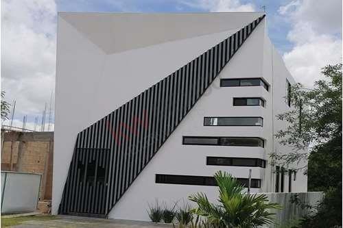 Residencia En Venta , Altozano Mérida, Excelente Ubicación: Moderna, Comoda Y Super Equipada.