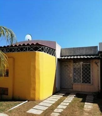 Casa En Venta En La Zona Diamante En El Fraccionamiento Ceiba